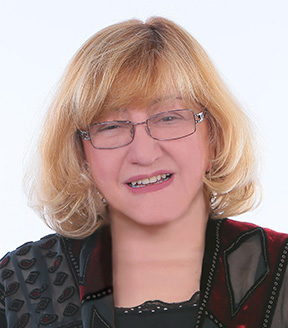 Debbie Papadakis Media Headshot